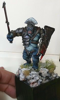 Warhammer LOTR  - BATTLE TROLL OF ISENGARD superbly painted