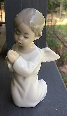 Lladro Angel Kneeling Praying Glossy Figurine Spain Figurine