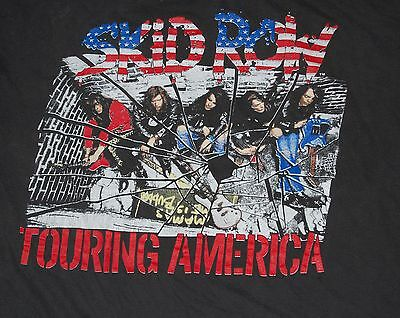 Original Vintage SKID ROW Touring America On The Skids 1989 Concert T-Shirt L