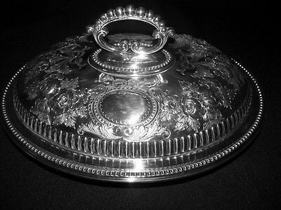 Walker & Hall Sheffield Silver Plate Repousse Covered Serving Dish w / 2 Liners