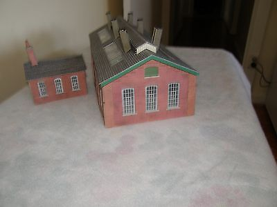 model train engine shed with workers cottage ho scale