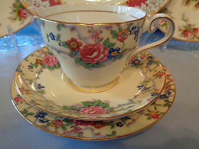 Extremely Pretty Aynsley Trio White/Cream With Floral Rims - Great Condition