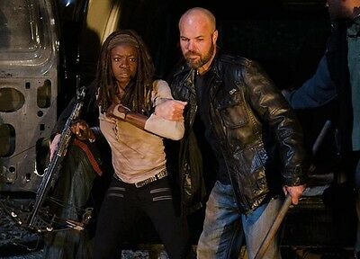 """The Walking Dead 8.5 X 11"""" Michonne Meets Negan And The Saviors"""