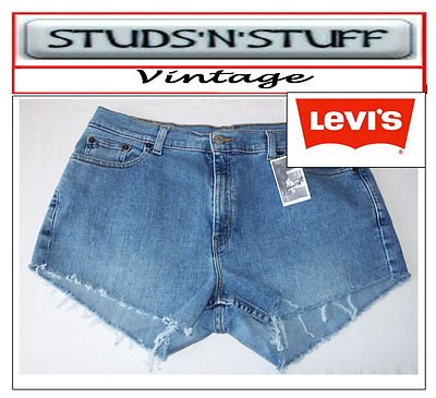 "Levis  Vintage Womens 515's Mid Waisted Shorts Size 36"" Aprox Size 16  (A150 )"