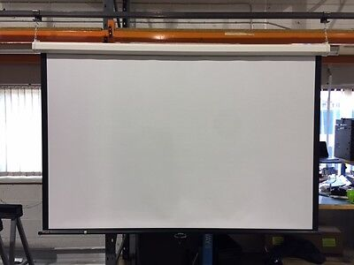 Draper Euroscreen Luma 212x163cm Black Borders projection screen