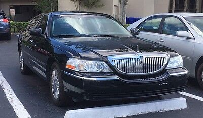 2007 Lincoln Town Car  2007 Lincoln Town Car Signature Limited