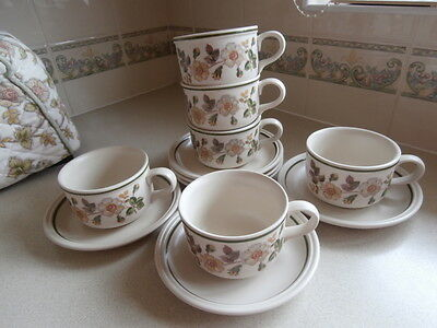 Marks and Spencer 6 Breakfast cups & Saucers Autumn Leaves