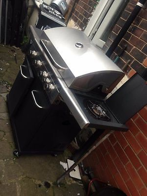Jumbuck Stardom 4 Burner Gas BBQ With Side Burner - Silver
