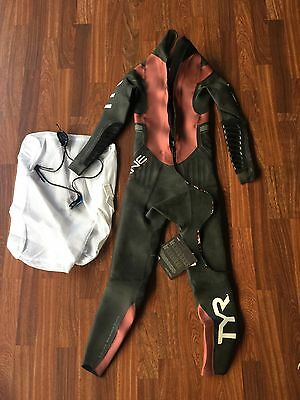 New Open Box Tyr Men's Small Hurricane Category 5 Wetsuit CAT5
