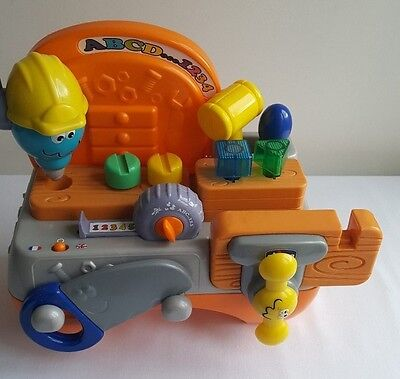Chicco Talking Carpenter - Bilingual ABC -  Educational Toy 12Months +