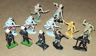 Lot of 'Lone Star' & 'Crescent' Soldier Figures.