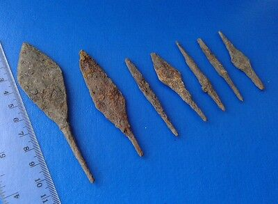 Ancient Arrowheads 7 pieces.