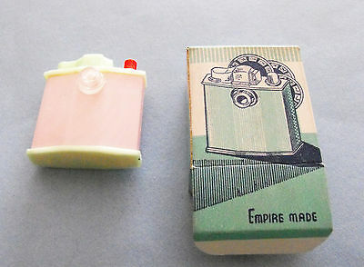 1950s vintage Glamour Girls novelty picture viewer,Empire Made,souvenir
