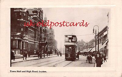 E10 - LEYTON, Town Hall & High Road with Tram in Street,  Real Photo - 1911.