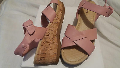 Hush Puppies Pink Leather Sandals Shoes Wedge Heels Platform Size 6  Worn Once