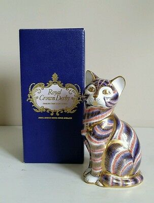 "Royal Crown Derby ""Cat"" Paperweight - Gold Stopper"