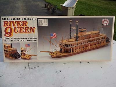 Constructo Mississippi River Queen Wood Steamboat Model. New.
