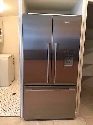 Fisher & Paykel French Door Ice & Water 614L Refrigerator