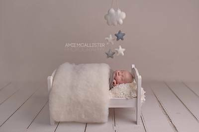 Newborn Photo Prop White Baby Blanket  Basket filler Wool Fluff Blanket Liner UK