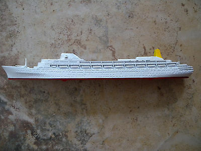 Ship Model P & O Lines RMS CANBERRA, 1961 - Model Made in Hong Kong M715