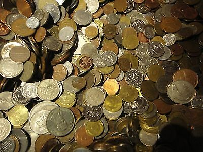 50 Different World Coins (Cool Foreign Coins!) ****NO DUPLICATE COINS!*** ()