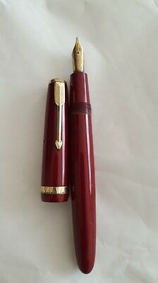 Vintage. Parker Duofold Aerometric filling. Fountain Pen C.1959 Red