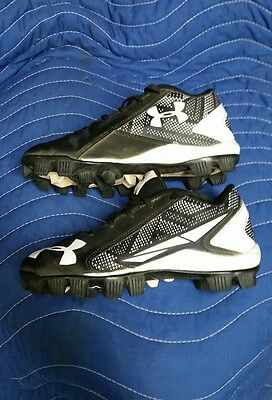 baseball shoes cleats Underarmor youth size 1