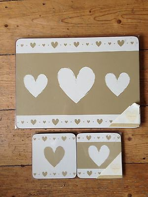 4 Placemats With 4 Matching Coasters Vintage Hearts