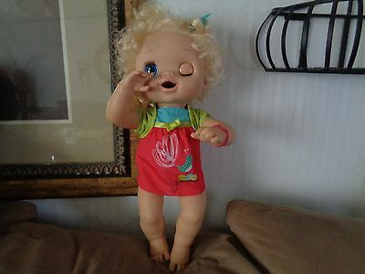 BABY ALIVE Doll Interactive 2010 Blonde Talks Drinks Wets Eats Poops