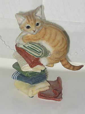 Country Artists 02227 Good Housekeeping - cat ornament