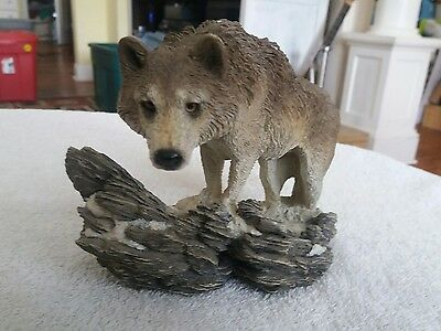 Wolf The Lookout II Living Stone Wolf Sculpture Cold Cast Resin (lot118)