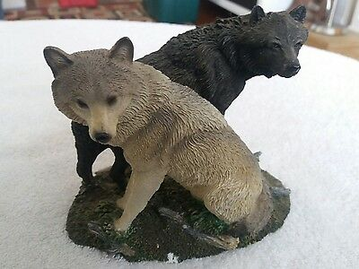 Wolves Living Stone Wolf Sculpture Cold Cast Resin (lot118)