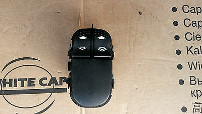 Ford Focus MK1 Driver Side Front Electric Window Switch - 6 Pin (98-05)..
