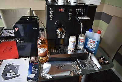 JURA X7 COMMERCIAL BEAN TO CUP Coffee Machine with Milk fridge