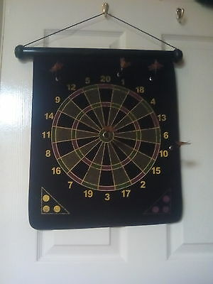 magnetic dartboard with darts