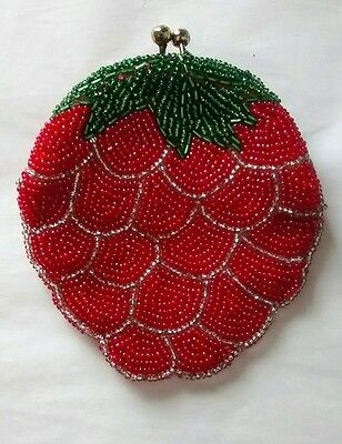 Vintage Strawberry Beaded Kisslock Coin Purse Red Fruit