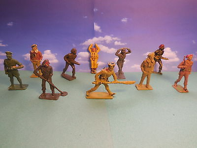 Vintage Cherilea Assorted WW2 Plastic Toy Soldiers 1:32