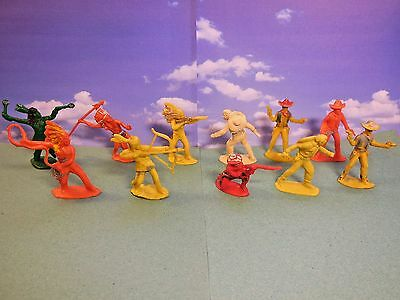 HILCO Wild West Cowboys and Indians Vintage Plastic Toy Soldiers 1:32