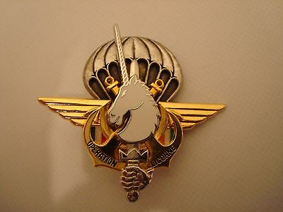 FRENCH AIRBORNE  BADGE ISSUE No.J3951 BADGE