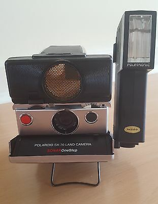 Polaroid SX-70 Sonar One Step plus Polatronic Flash
