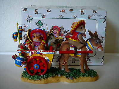 """Cute Charming Tails """" Being With Friends Is A Fiesta""""figurine-Signed Dean Griff"""