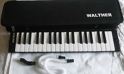 Walther Melodica 37 Key Mouth Blow Keyboard  Case and Mouthpiece Free uk Postage