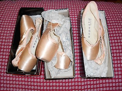 Lot of 3 pairs Capezio 192 Odette ballet pointe shoes New, but funky.