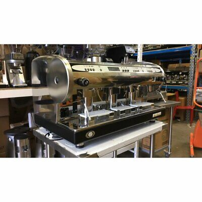 Brand New San Marino Lisa 3 Group Commercial Coffee Machine