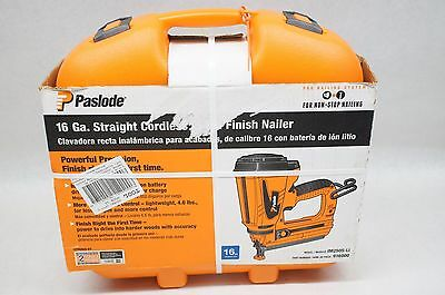 NEW Paslode IM250S-Li 16 Ga Straight Cordless Li-Ion Finish Nail Gun 916000