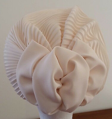 Vintage circa 1950s CREAM Pleated Ladies Turban Style Day Hat Large Bow Detail