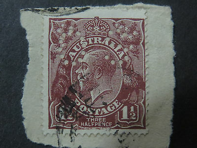 KGV Variety - Retouched Bottom Frame - State 2  - 1 1/2d Brown