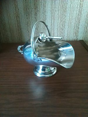 Walker & Hall Silver Plated Sugar Scuttle & Scoop