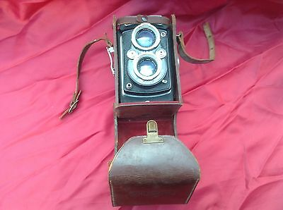 Microflex Twin Lens Vintage Camera C, W Leather Case Very Rare.