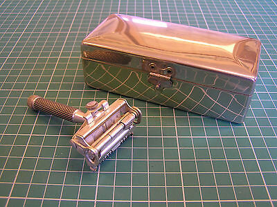 VINTAGE WILKINSON SWORD SAFETY RAZOR IN CHROME CASE EMPIRE MODEL 1930s ART DECO